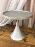 Where to rent CAKE STAND, 15.5 x15.75  Round SILVER in Fairview Heights IL